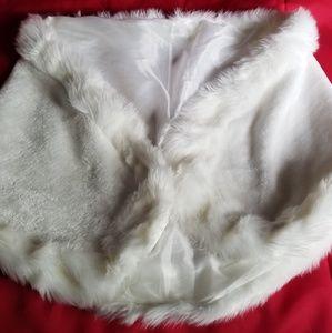 Jackets & Blazers - White fur cape